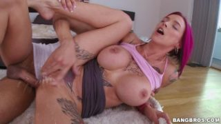 Anna Bell Peaks Is A Squirting Freak