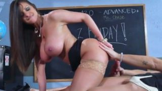 Sexy milf Brooklyn Chase teaches her student – Brazzers