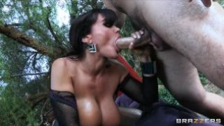 Big-tit MILF Lisa Ann dreams about bouncing her ass on hard cock