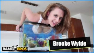 BANGBROS – Teen Babe Brooke Wylde Dips Her Big Natural Tits Into A Fish Tank