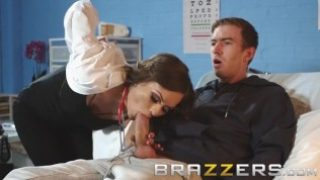 Brazzers – Tina Kay is a bad doctor but a great fuck