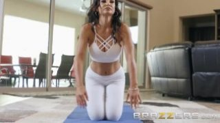 BRAZZERS – Our Queen Is Back Lisa Ann gets a rub down and sexy Anal, first scene in 3 year