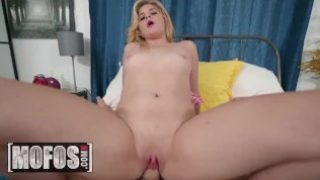 MOFOS – Thicc white girl Taylor Blake gets paid for sex