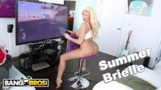 BANGBROS – Busty Blonde MILF Summer Brielle Squirts All Over Mike Adriano's Cock