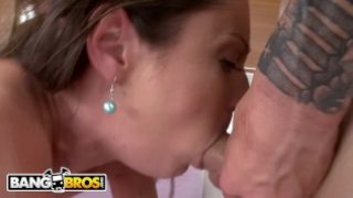 BANGBROS – MILF Samantha Ryan Shows Jenna J Ross The Right Way To Suck Dick